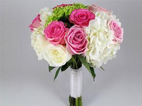 букет из роз и гортензий