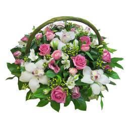 роскошные орхидеи с розовыми розами.jpeg