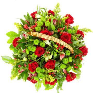 букет ярких красных роз в корзине.jpeg