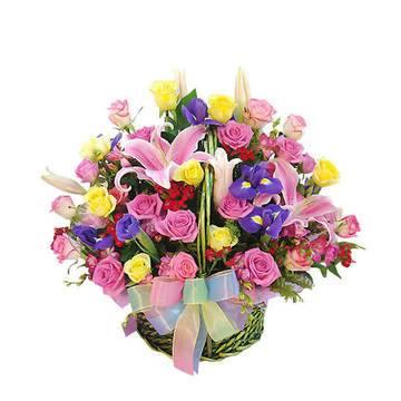 праздничная нарядная композиция из роз и лилий.jpeg
