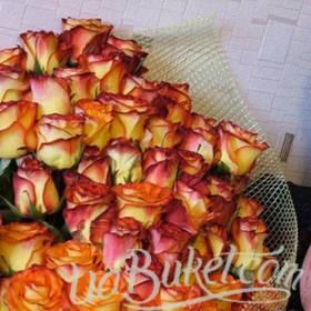 Двухцветные розы из Эквадора для мамы - фото