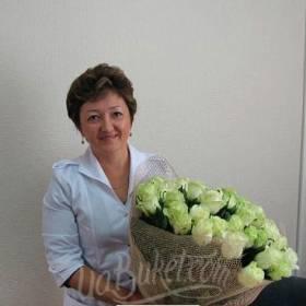 Розы Аваланч доставлены для именинницы - фото