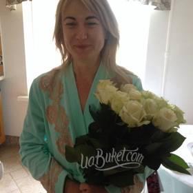 Букет белых роз с доставкой на дом для именинницы - фото