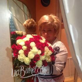 Букет из белых и красных роз для любимой жены - фото