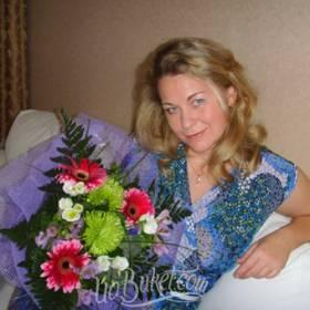 Сборный букет из гербер и хризантем для именинницы - фото