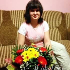 Герберы и хризантемы для любимой тети - фото