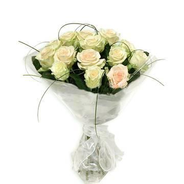 кремовые розы для шикарного букета.jpeg