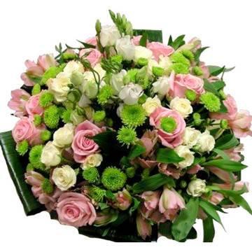 сборный круглый букет пестрых цветов.jpeg