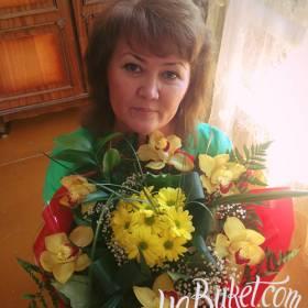 Букет хризантем и орхидей для любимой тети - фото