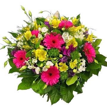 необъятный букет из ярких цветов.jpeg