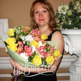 Сборный букет для любимой мамы - фото