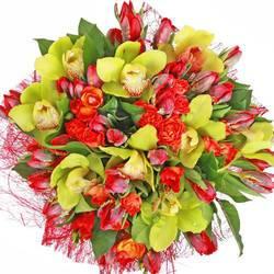 объемный круглый букет с тюльпанами.jpeg