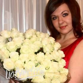 Букет белых роз для девушки - фото