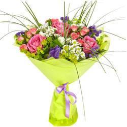 яркие розы и мятные хризантемы.jpeg