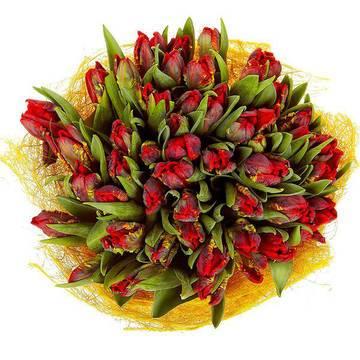 неординарный букет интересных тюльпанов.jpeg