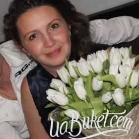 Белые тюльпаны для именинницы - фото