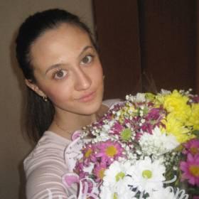 Разноцветные хризантемы с доставкой для девушки - фото