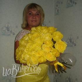 Желтые розы с доставкой для именинницы - фото