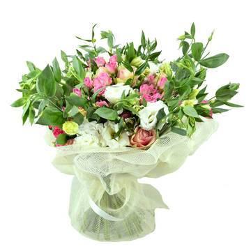 великолепный цветочный сад в букете.jpeg