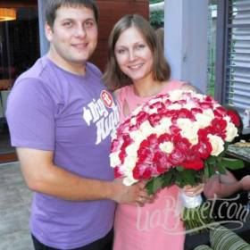 Розовые и белы розы для любимой - фото