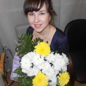 Хризантемы разных сортов для девушки - фото