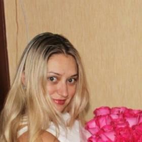 Большой букет розовых роз для счастливой получательницы - фото