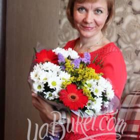 Букет из гербер и хризантем с доставкой для мамы - фото