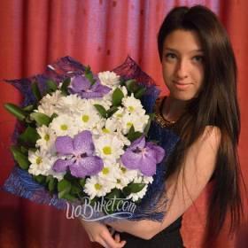 Букет из орхидей и хризантем для именинницы - фото