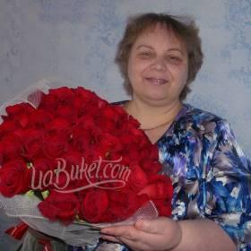 Получательница с букетом роз Гран При - фото