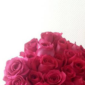 Букет розовых роз для именинницы - фото