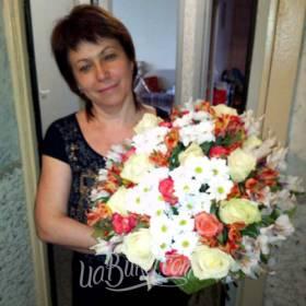 Букет из роз, хризантем и альстромерий для любимой мамы - фото