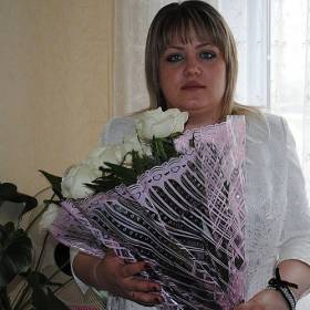 Букет нежных белых роз для сестры - фото