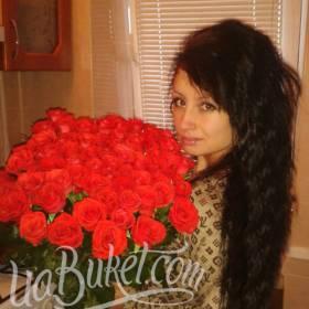 Красные розы для именинницы - фото