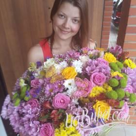 Огромный сборный букет для счастливой получательницы - фото