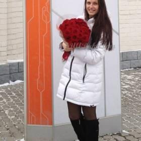 Букет красных роз для любимой девушки - фото