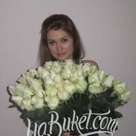 Роскошный букет из белых роз для милой получательницы - фото