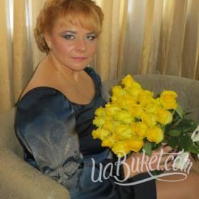 Желтые розы с доставкой для получательницы - фото