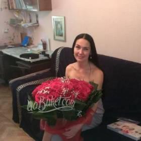 Свежие розы с доставкой имениннице - фото