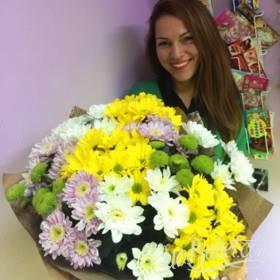 Яркие хризантемы для любимой жены - фото