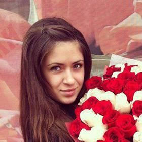 Букет белых и красных роз с доставкой для именинницы - фото