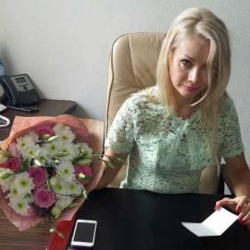 Букет из роз и хризантем для именинницы - фото