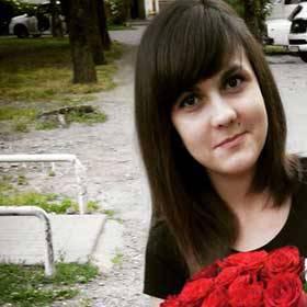 Красные розы Престиж для девушки - фото