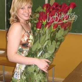 Красные импортные розы для учительницы - фото