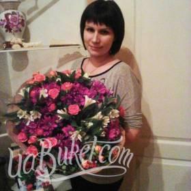 Букет из роз, хризантем и альстромерий для получательницы - фото