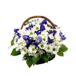 романтичная корзина маленьких цветов.jpeg